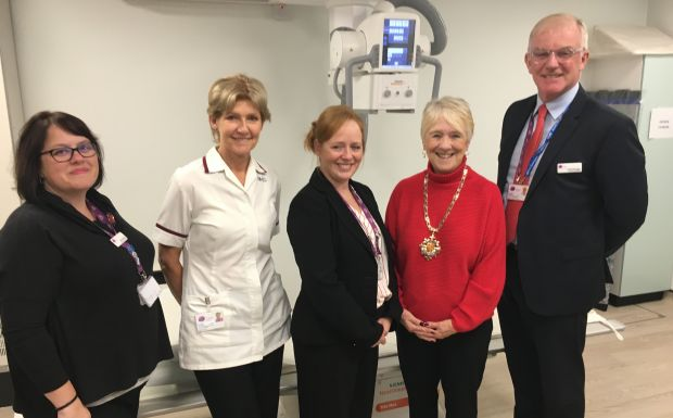 The Mayor's visit to Woking Community Hospital included a demonstration of  the brand new digital X-ray machine
